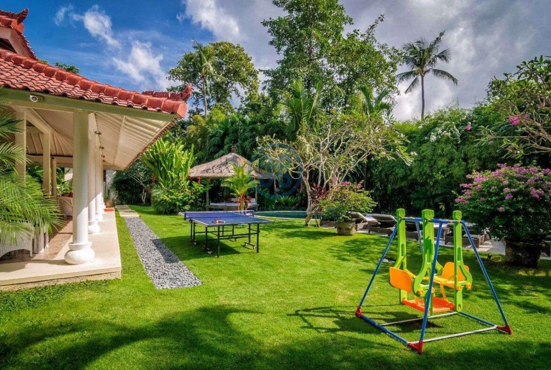 5 bedrooms villa garden view petitenget seminyak for sale rent 1 scaled
