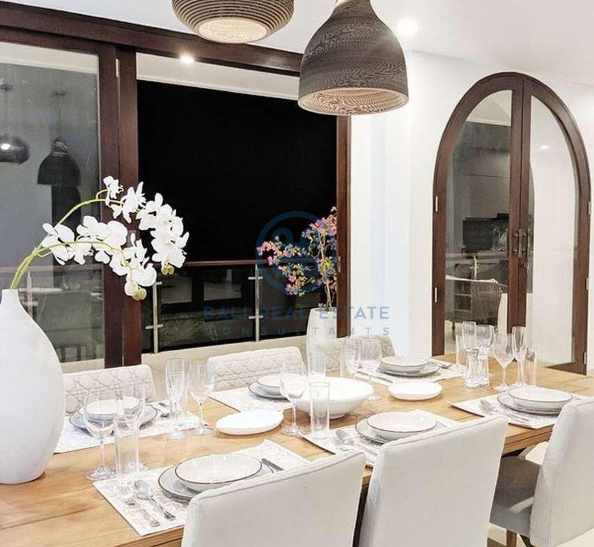 5 bedrooms villa panoramic view bukit for sale rent 25