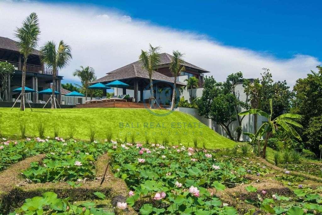 5 bedrooms villa seaside cemagi for sale rent 13