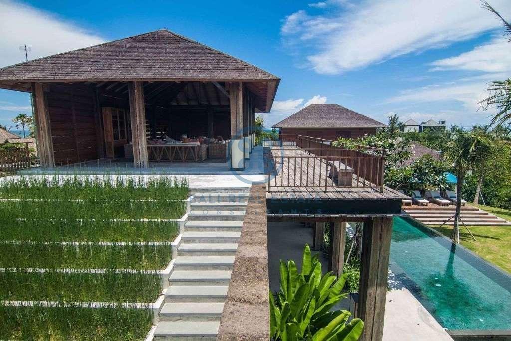 5 bedrooms villa seaside cemagi for sale rent 14