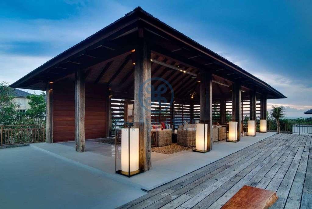 5 bedrooms villa seaside cemagi for sale rent 15