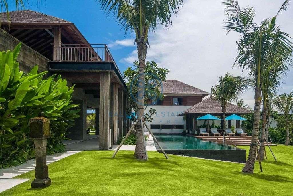 5 bedrooms villa seaside cemagi for sale rent 18