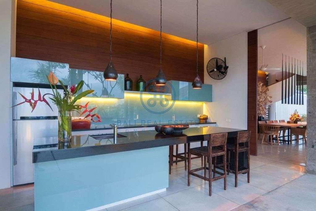 5 bedrooms villa seaside cemagi for sale rent 19