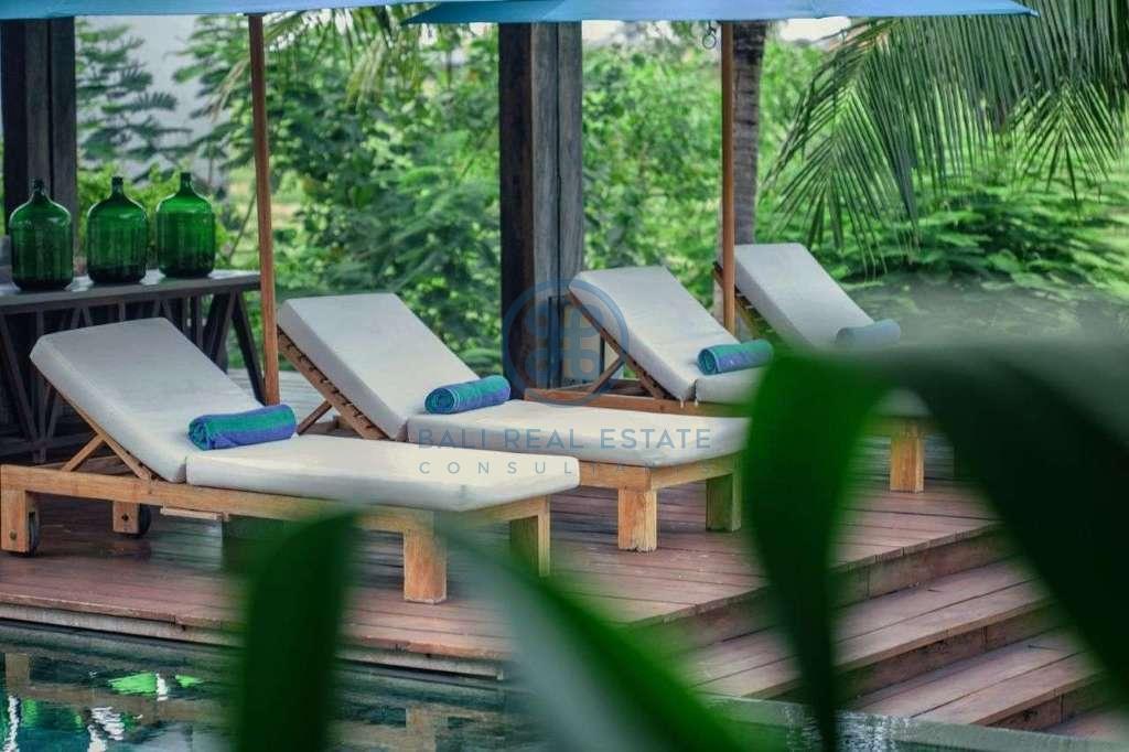 5 bedrooms villa seaside cemagi for sale rent 2