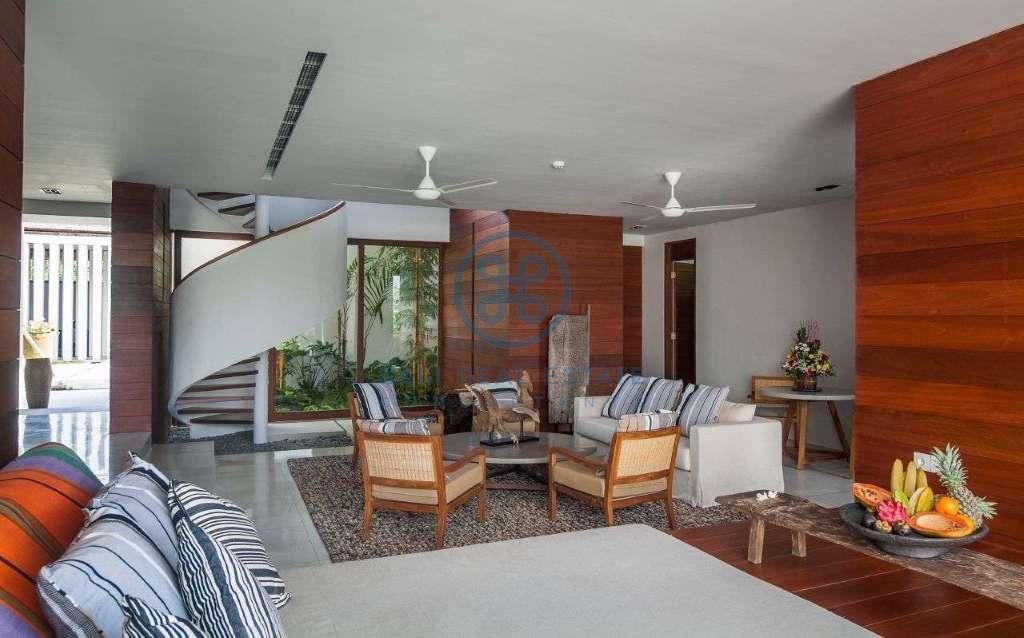 5 bedrooms villa seaside cemagi for sale rent 7