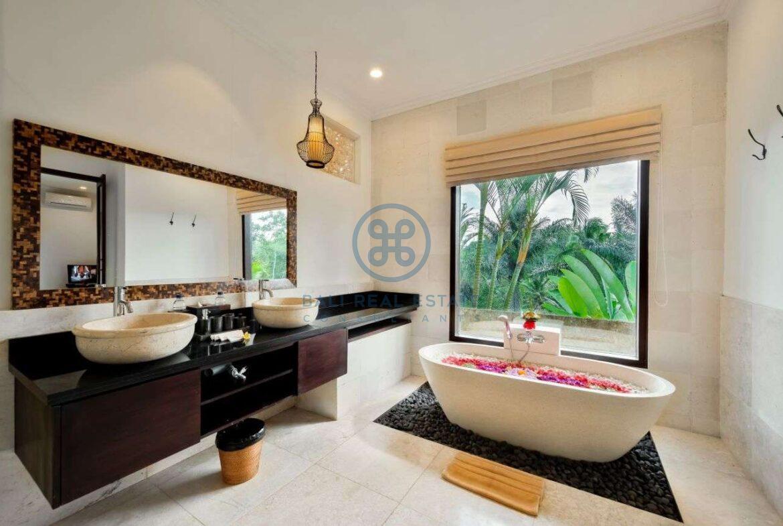 7 bedrooms villa estate jungle valley view ubud for sale rent 20