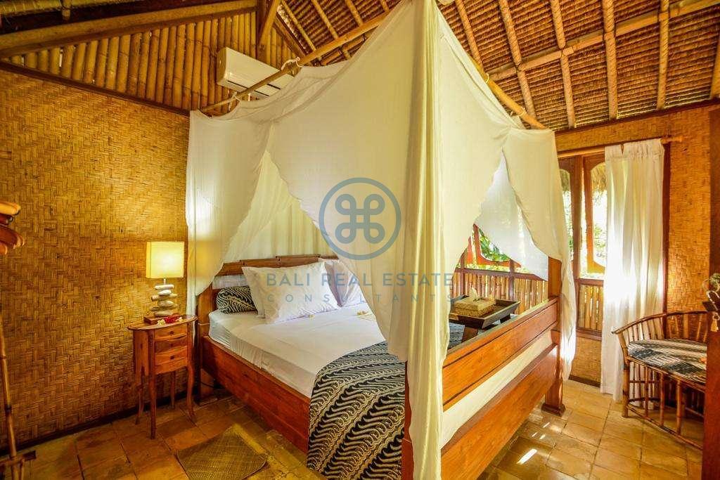9 bedrooms boutique resort beach front bali karangasem for sale rent 4