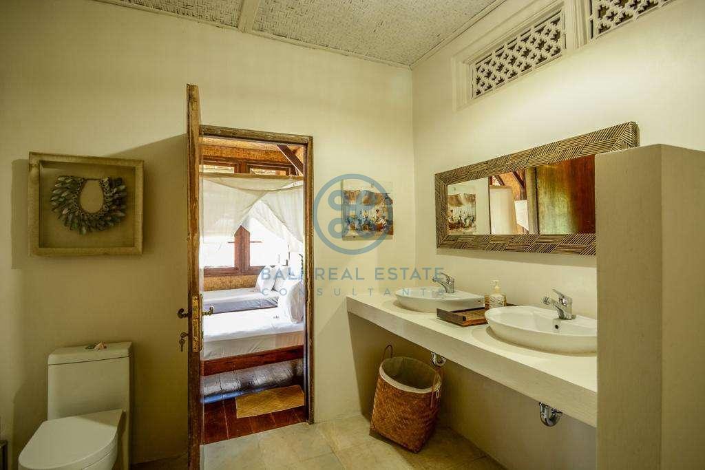 9 bedrooms boutique resort beach front bali karangasem for sale rent 9