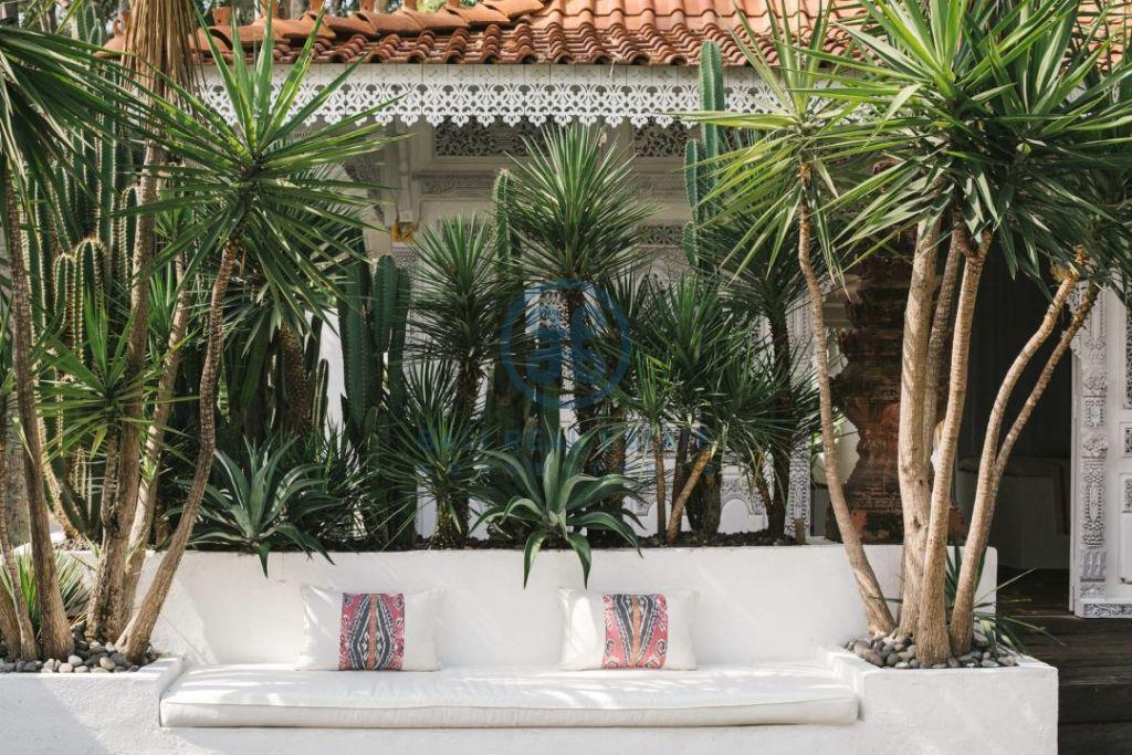 stylish 3 bedrooms villa bali tabanan seseh for sale rent 10