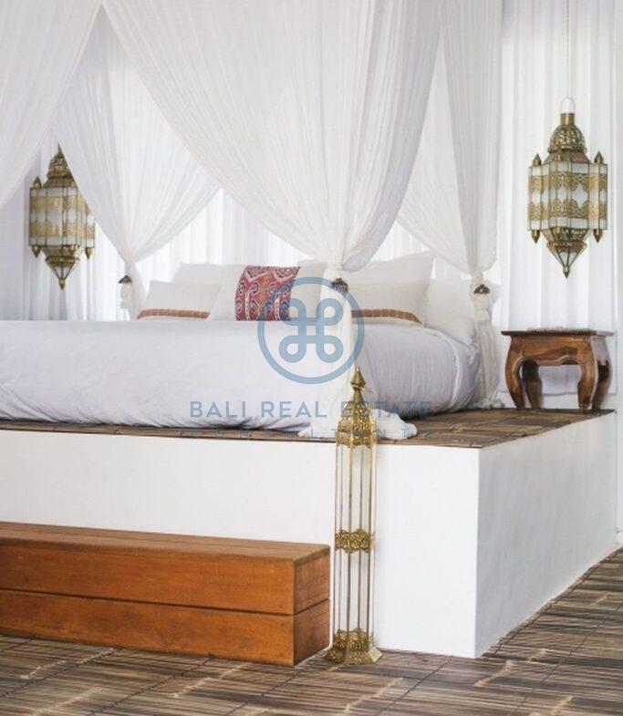 stylish 3 bedrooms villa bali tabanan seseh for sale rent 12