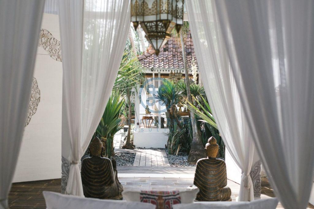 stylish 3 bedrooms villa bali tabanan seseh for sale rent 3