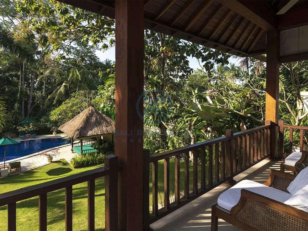 bedroom colonial traditional villa canggu pererenan for sale rent