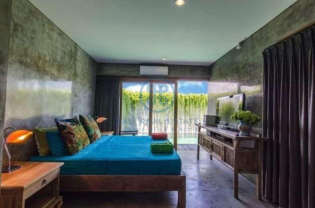 bedroom industrial villa Echobeach for sale rent