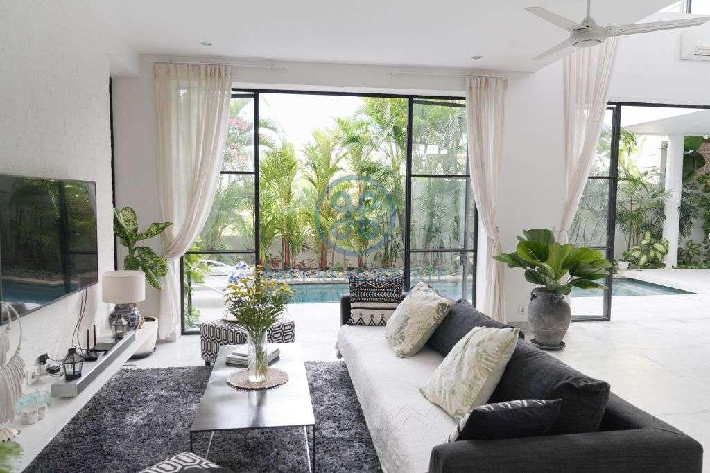 bedrooms villa in umalas for sale rent