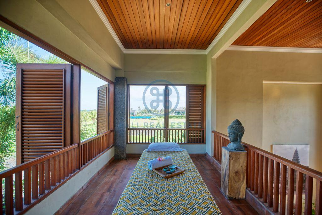 bedrooms villa ricefield view tabanan for sale rent