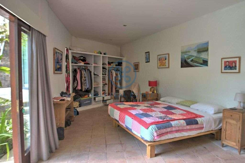 bedroom ricefield view villa pererenan for sale rent