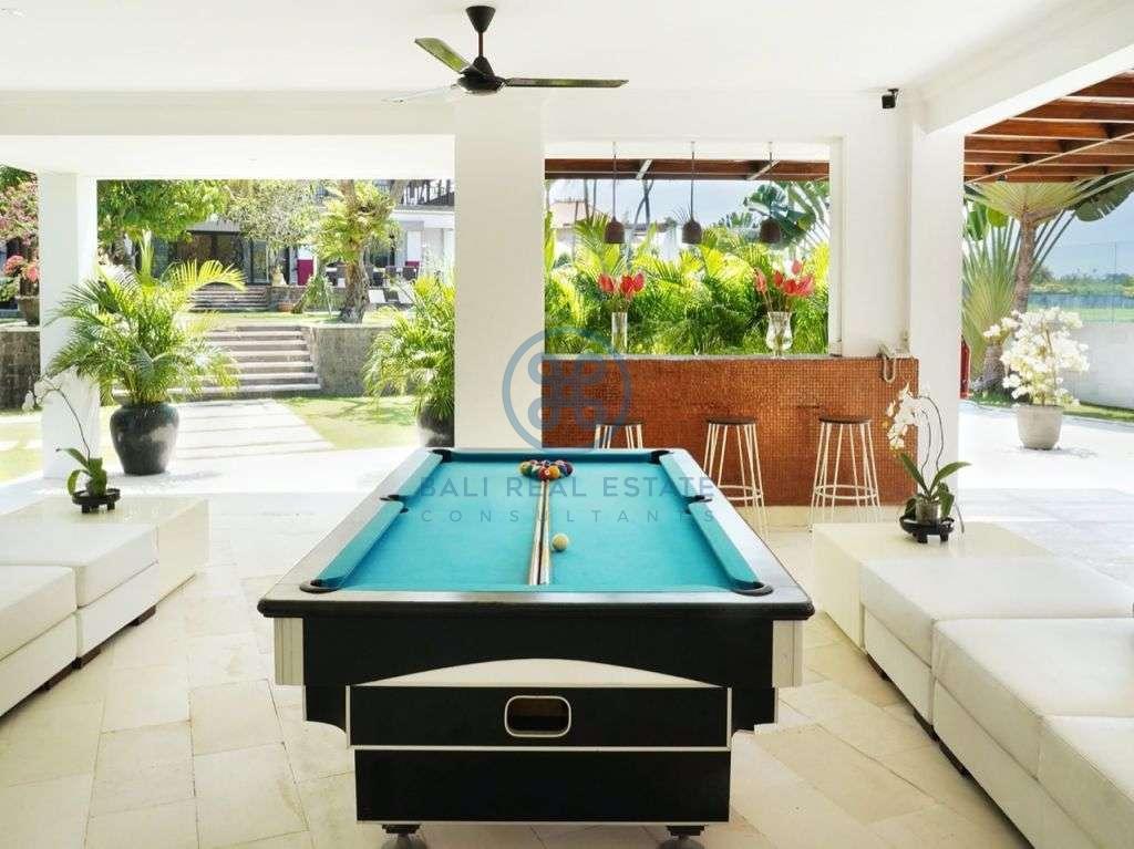 bedroom residence pererenan for sale rent