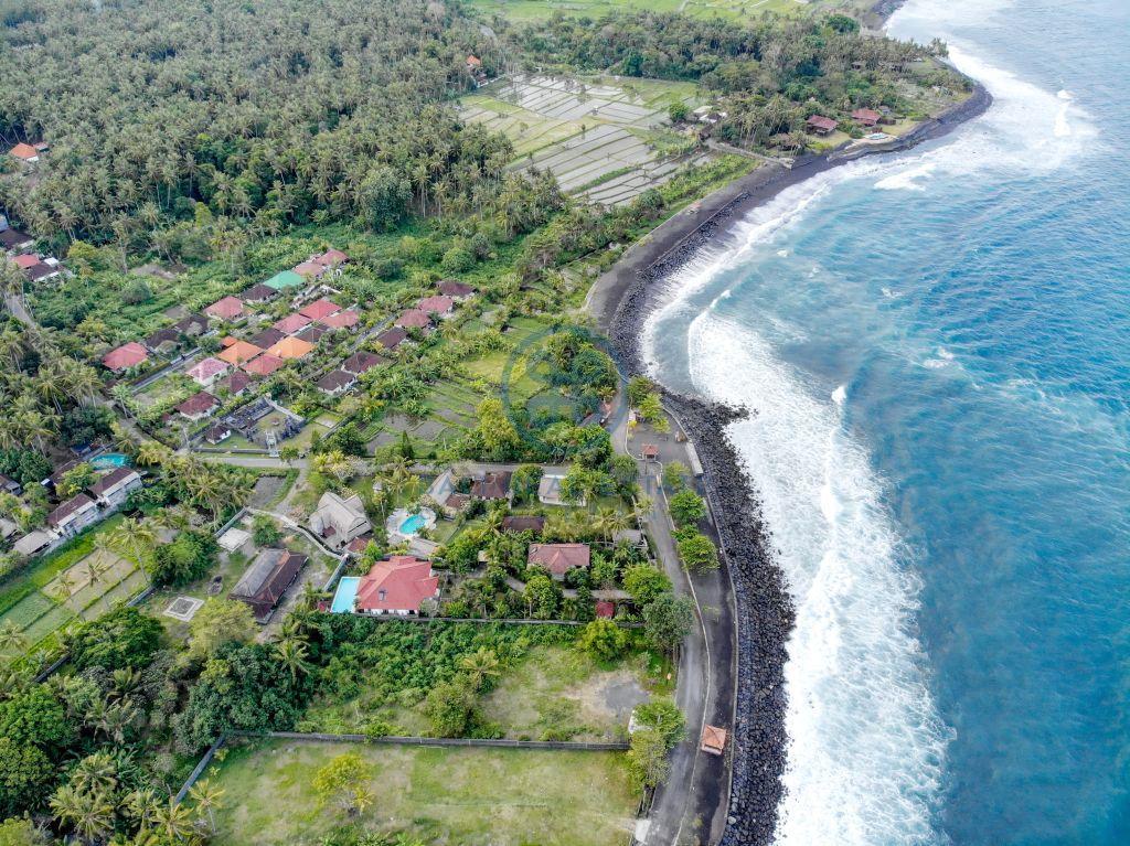 bedrooms traditional villa beachfront karangasem for sale rent