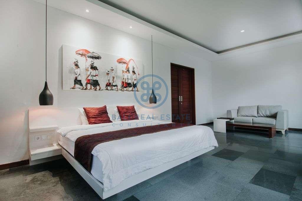 bedroom walking distance beach for sale rent