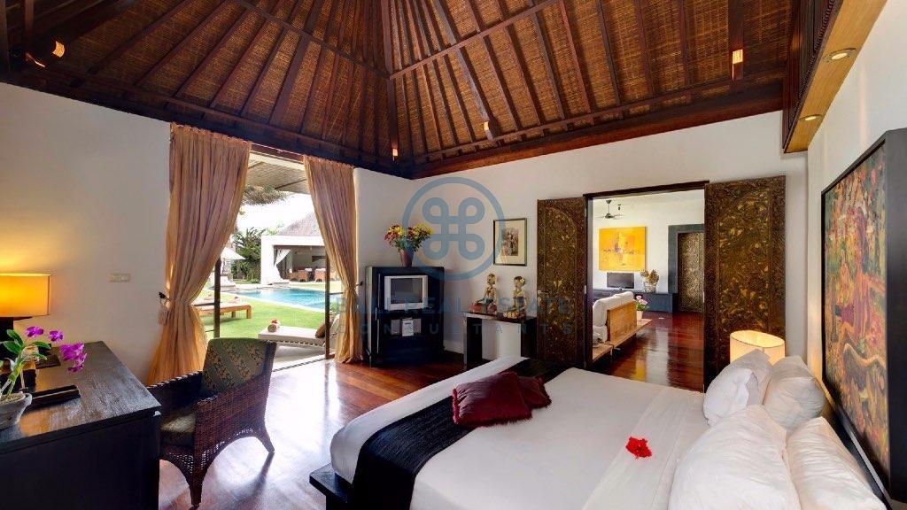 bedroom beachfront villa in ketewel for sale