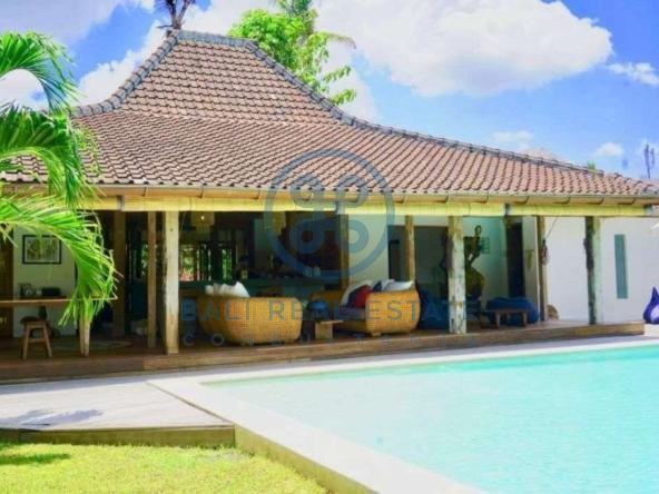 bedroom jogle villa for sale rent
