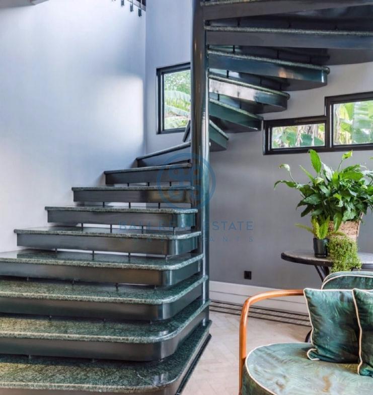 bedroom artdeco villa leasehold sale