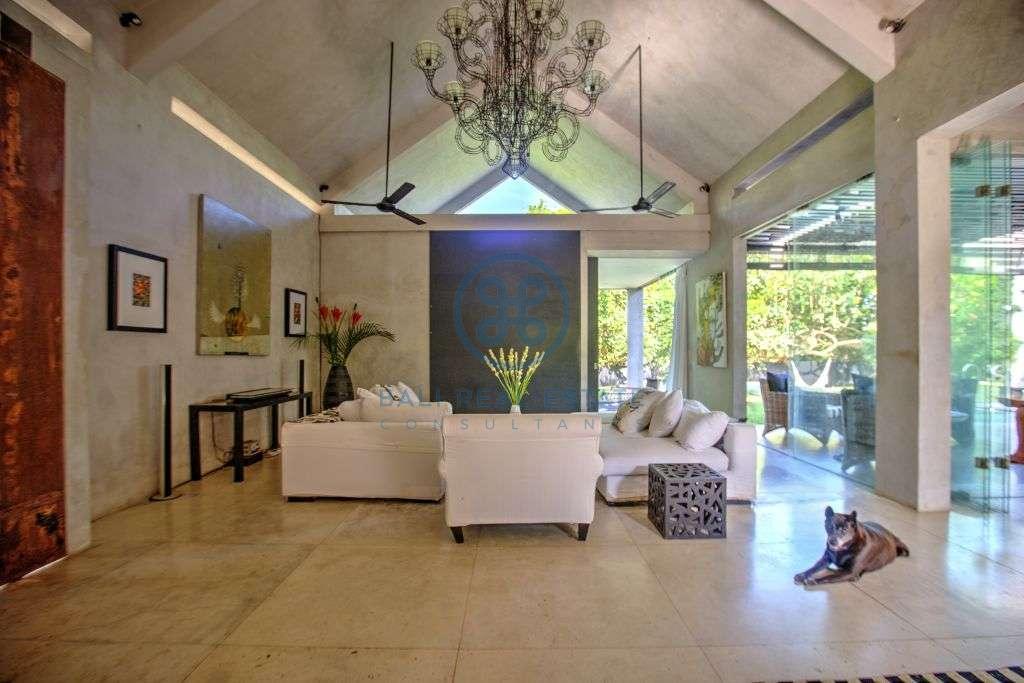 bedrooms villa river view pererenan canggu for sale rent