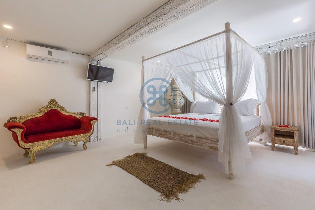 bedroom villa in cemagi for sale