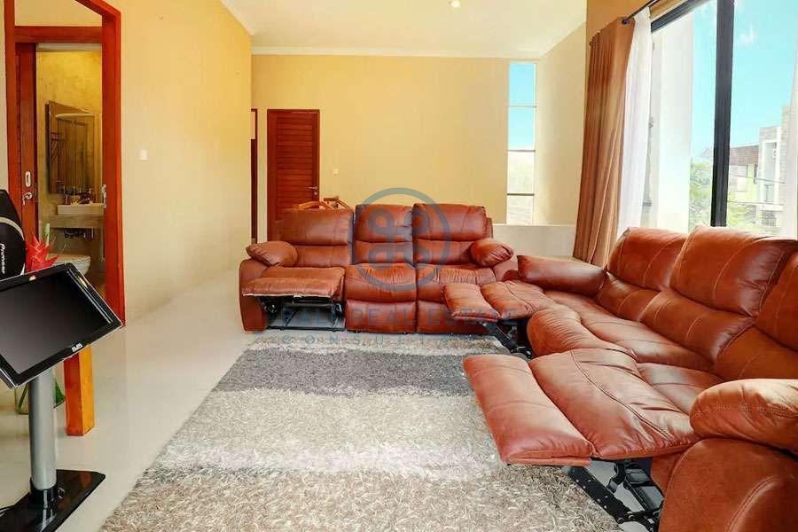 bedroom family home in seminyak for sale rent