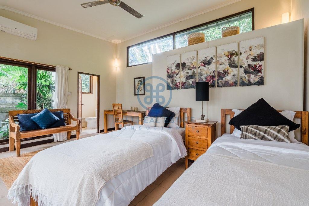 bedroom villa in ubud for sale and rent