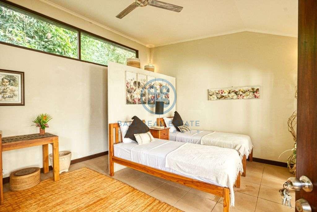 bedrooms villa garden pool view ubud for sale rent