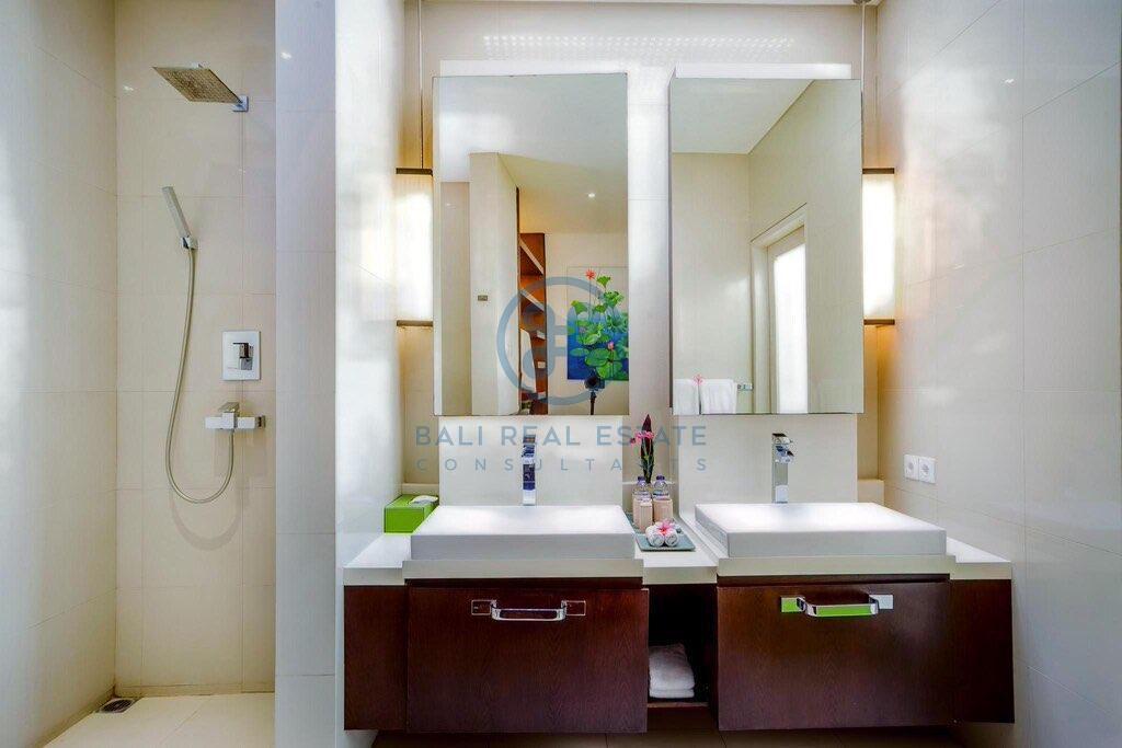 bedroom villa in central seminyak for sale