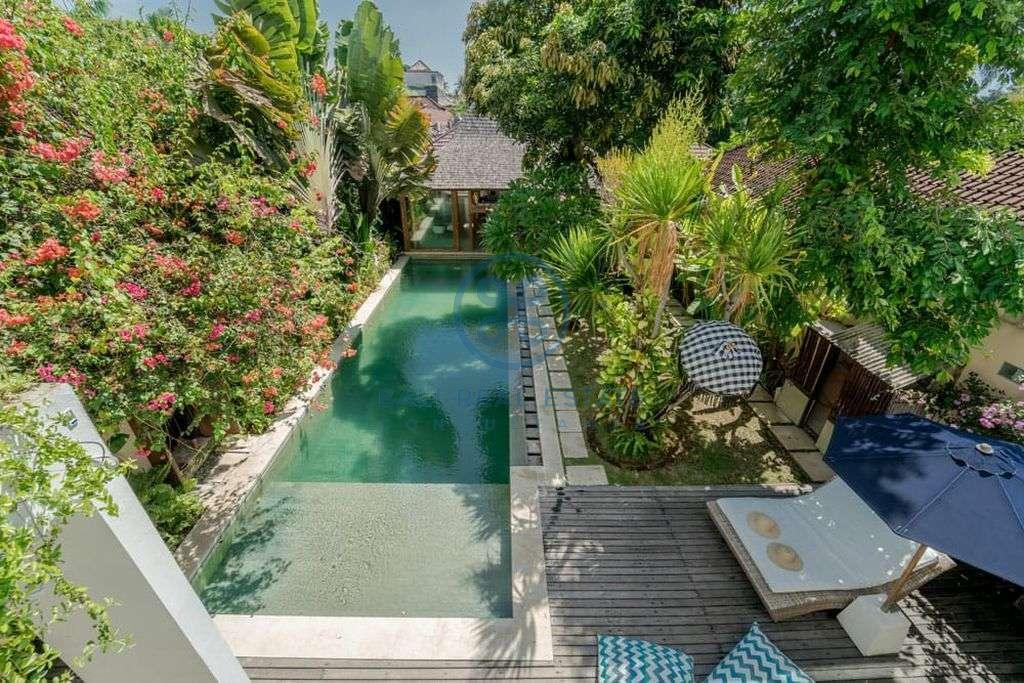 bedroom traditional modern style villa seminyak for sale rent